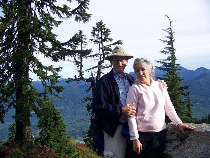 wes and pamela at the mt. pilchuck summit 92608